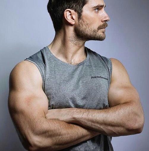 Cómo lucir músculos en tusfotos