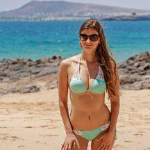 como-posar-bikini-playa-3