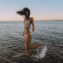 como-posar-bikini-playa