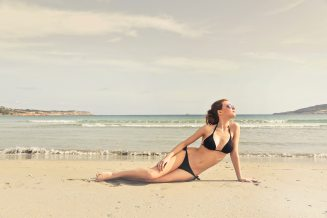 como-posar-bikini-playa-2